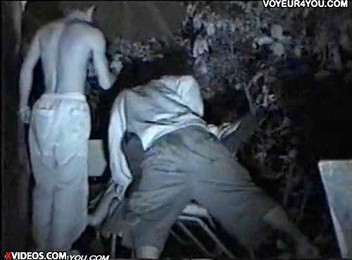 【 盗撮動画 】野外SEXスポットに盗撮カメラ設置したら…泥酔した女友達をレイプするとんでもない映像が撮れたwwwww