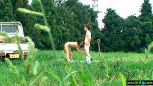 【 盗撮動画 】ド田舎の農家バカップルが畑の真ん中で大胆青姦SEX!!!※草むらに隠れて盗撮