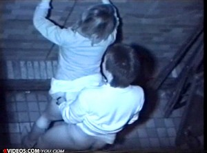 【 盗撮動画 】見られてると知らず…深夜の路地でSEXする素人カップルを赤外線盗撮wwwww
