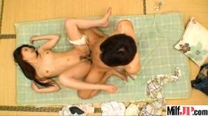【 盗撮動画 】若い男を自宅に連れ込み不倫SEXする淫乱妻を盗撮した家庭崩壊映像…※旦那の盗撮記録