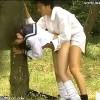 【 盗撮動画 】声出しちゃバレちゃうよ…公園で白昼堂々とパコパコ青姦SEXする学生カップル盗撮www