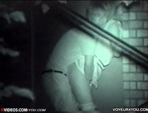【 盗撮動画 】深夜の公園でSEXする素人カップルを草むらに隠れて赤外線盗撮したったwwwww