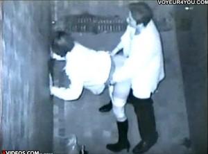 【 盗撮動画 】深夜の人気ない路地は発情したカップルのセックススポットwww※赤外線盗撮!!!