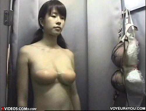【 盗撮動画 】下着ショップの試着室で素人娘のパット試着をリアル盗撮!!!※男は恐怖映像