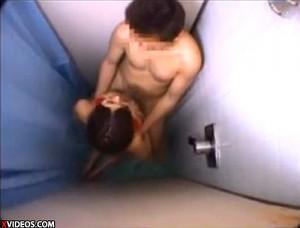 【 盗撮動画 】AV女優の撮影終了後にシャワー室を突撃パイズリお願いしてみた結果wwwww