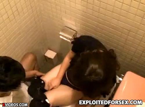 【 盗撮動画 】居酒屋トイレで泥酔女を狙い中出しレイプ盗撮した衝撃映像www※閲覧注意