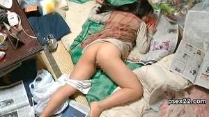 【 盗撮動画 】ゴミ屋敷で生活する女を密着盗撮したリアルな私生活映像www※閲覧注意