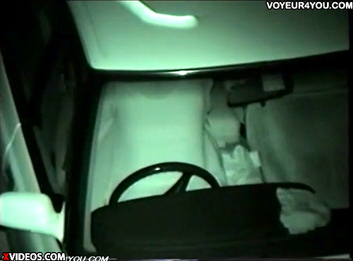 【 盗撮動画 】深夜の駐車場で不倫する中年カップルの密会カーセックスを赤外線盗撮wwwww