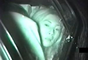 【 盗撮動画 】深夜のカーセックスを赤外線盗撮したらバレて逃亡ハプニング面白映像wwwww