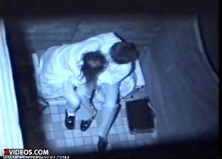 【 盗撮動画 】学生カップルの野外SEXを発見⇒上から赤外線盗撮したリアル映像wwwww