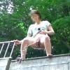 【 盗撮動画 】高所から放尿するドスケベ女を下から盗撮した面白映像www※閲覧注意