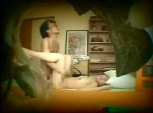 【 盗撮動画 】本番バレたら罰金wwwデリヘル嬢を呼んで自宅SEX盗撮した激ヤバ映像!!!