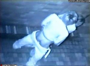 【 盗撮動画 】深夜の繁華街で酔ったカップルの野外SEXを赤外線盗撮した本物映像!!!