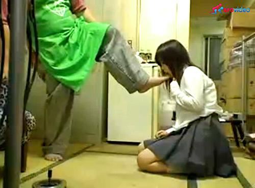 【 盗撮動画 】キモデブ店長が万引きJKを脅迫中出しレイプする問題映像…※閲覧注意