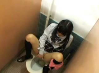 【 盗撮動画 】JKが授業中にトイレに行ったら絶対●●●してるリアル盗撮映像wwwww