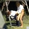 【 盗撮動画 】学校サボッて公園で白昼堂々と野外SEXする学生カップルの痴態盗撮wwwww