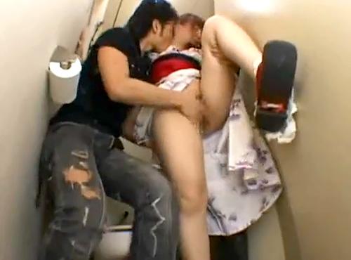 【 閲覧注意 】浴衣女子を拉致して肉便器中出しレイプされる衝撃映像!!!※閲覧注意
