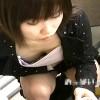 【 盗撮動画 】街中で胸元パッカ~ン開いてる女性を狙い胸チラ乳首盗撮したったwwwww