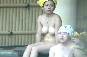 【 盗撮動画 】露天風呂の女湯で巨乳女性を狙い隠し撮りしたリアル映像!!!※盗撮犯からの投稿