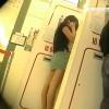 【 盗撮動画 】ATMで美脚ミニスカートお姉さんの背後に並んで逆さ撮りパンチラ盗撮wwwww
