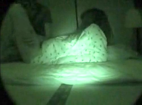 【 盗撮動画 】変態兄がロリータ妹を夜這いレイプした赤外線盗撮映像!!!※閲覧注意