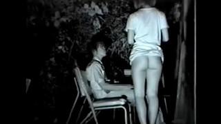 【 盗撮動画 】地域では有名なSEXスポットの公園に赤外線盗撮してみた結果…