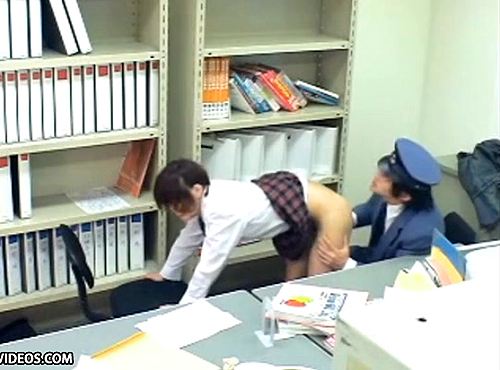 【盗撮動画】キセル不正した有名進学校JKに駅長の脅迫レイプ盗撮映像!!!※閲覧注意