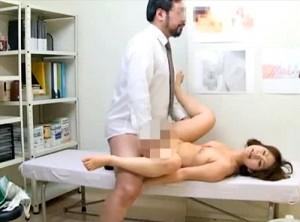 【 閲覧注意 】産婦人科に来たワケあり女子大生に医師の前代未聞の行動…※削除される前にご覧下さい。