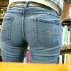 【 盗撮動画 】海外の図書館で金髪お姉さんのムッチリデニム尻を死角から盗撮した超マニア映像www※尻フェチ必見