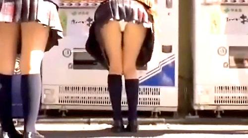 【盗撮動画】放課後に集団下校するJKグループを狙いストーカーパンチラ盗撮!!!※盗撮犯の犯行記録