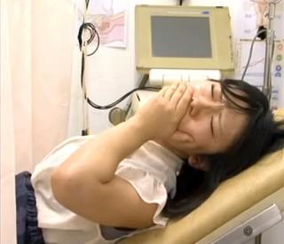 【 盗撮動画 】ドスケベ産婦人科医が人妻に悪戯中出しレイプ診察した問題映像!!!※閲覧注意