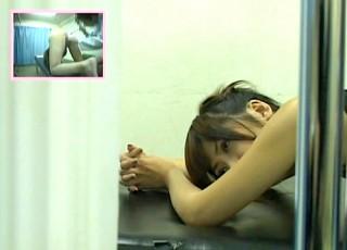 【 盗撮動画 】アナルを触診されてる時の女性達のリアルな表情をご覧下さい。※2アングル盗撮