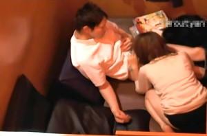 【 盗撮動画 】ネットカフェ店員が流出!!ペアシートで素人バカップルのサイレントSEX盗撮映像wwwww