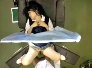 【 盗撮動画 】婦人科でJKに悪戯中出しレイプした前代未聞の診察映像!!!※閲覧注意