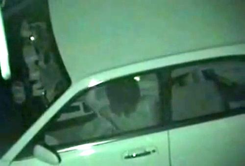 【盗撮動画】公園の駐車場で深夜カーセックスする素人カップルを死角から赤外線盗撮!!!