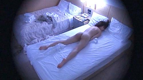 【 盗撮動画 】ビジネルホテルで出張OLお姉さんが欲求不満を爆発させる快楽オナニー盗撮した痴態映像wwwww