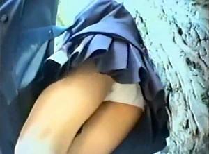 【 盗撮動画 】学園祭に潜入してJKパンチラ撮り放題www※校内逆さ撮りパンチラ盗撮