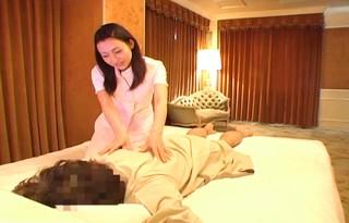 【 盗撮動画 】高級ホテルの美人出張マッサージ師を口説いてSEX盗撮大・成・功!!!