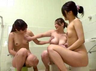 【 盗撮動画 】旅館の女風呂は盗撮されていた衝撃の問題映像!!!※仲良しギャル3人組