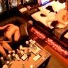 【 盗撮動画 】ラブホテルで酒飲みながら乱交SEXする若い男女を盗撮した乱痴気騒ぎ映像!!!