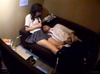 【 盗撮動画 】噂は本当だったwww学生カップルはネカフェをラブホ代わりにしていた衝撃映像!!!