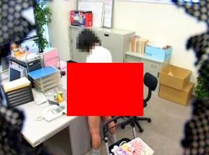 【 閲覧注意 】訪問販売するヤクルトお姉さんを1500円で社内レイプした問題映像!!!※