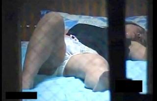【 盗撮動画 】隣の家のギャルお姉さんがカーテン閉めずに●●●●してたから盗撮したったwwwww