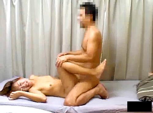 【 盗撮動画 】ヤリチンDQNが巨乳ギャルを自宅に連れ込みSEX盗撮したプライベート映像流出!!!