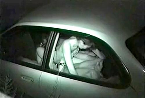 【 盗撮動画 】人気ない駐車場で深夜カーセックスする素人カップルを赤外線盗撮したったwwwww