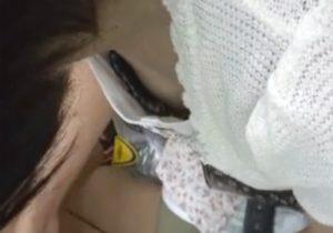 【 盗撮動画 】レンタルショップや雑貨屋で素人お姉さんの胸元を隠し撮りしてエロ乳首を接写www