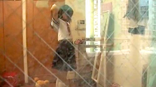 【盗撮動画】JKの自宅部屋の窓から着替えと全裸ダンスを盗撮したかなり恥ずかしい映像wwwww