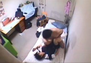 【 盗撮動画 】ロリコン変態家庭教師が教え子の可愛いJC少女とセックスしてる様子を隠し撮りwww
