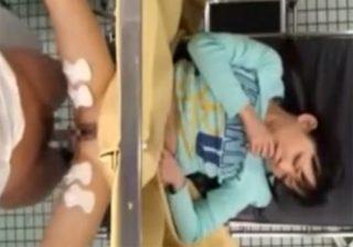 【 盗撮動画 】母親と産婦人科に訪れた美少女JCの幼いおまんこを悪戯して中出しする変態医師が悪徳過ぎる!!!