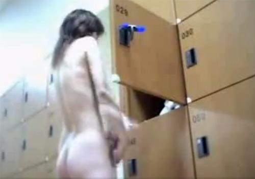 【 盗撮動画 】スーパー銭湯の脱衣所で撮影された素人女性の生着替え⇒スタイル良い裸体を覗き見www